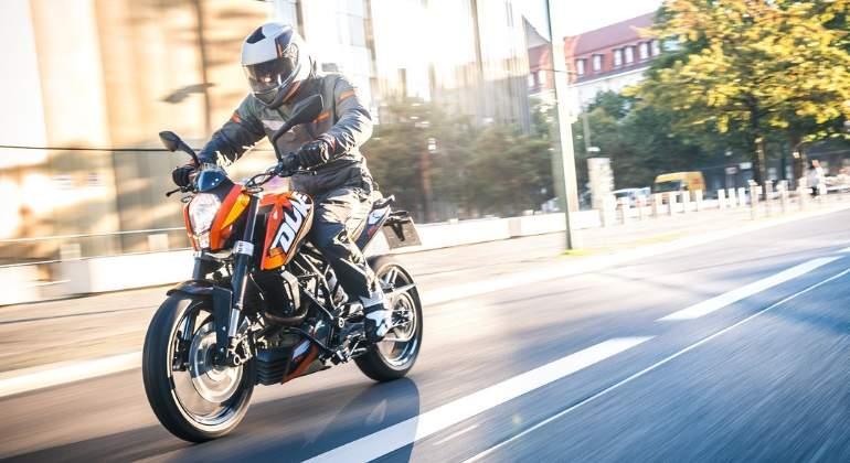 Lịch thi bằng lái xe mô Tô A2 HCM